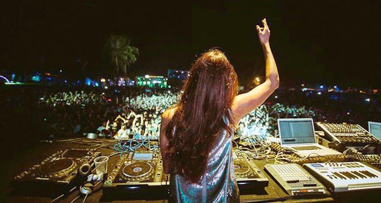 Mujeres DJ