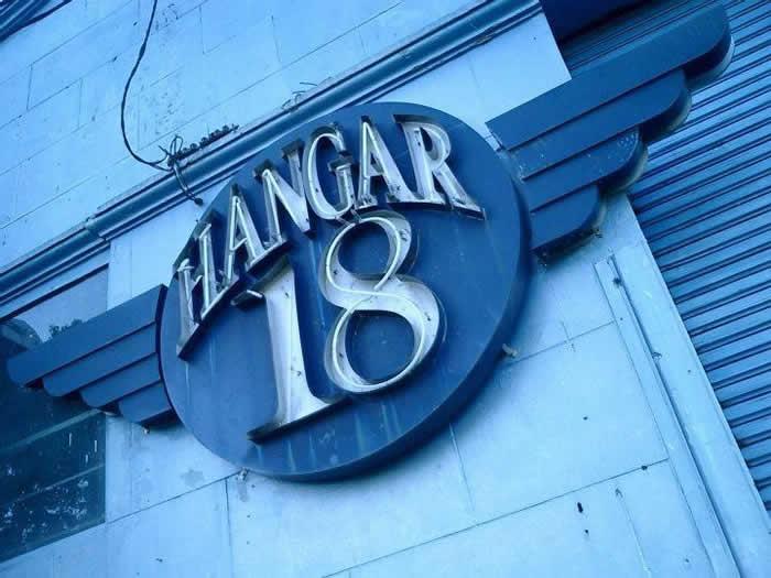 Frente de Hangar 18